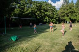 camping les Prades terrain volley-ball enfants ados