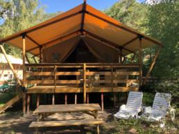 Camping les prades cabane confort ombre calme