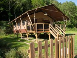 Camping les Prades hébergement vacances cadre calme